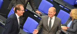 The election campaign is no time for pension experiments: Alexander Dobrindt (left) and Olaf Scholz reject the proposal for a pension at 68.